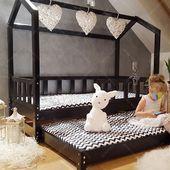 Werden Ihre Freundinnen die Nacht bei Ihnen bleiben? Ein Doppelbett wird perfekt funktionieren :) #housebed #housebeds #house #bed #interiodesign #kinderzimmer #kinderzimmerideen